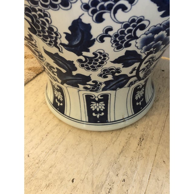 1960s Large Blue & White Chinese Vases Temple Jars -A Pair For Sale - Image 5 of 10