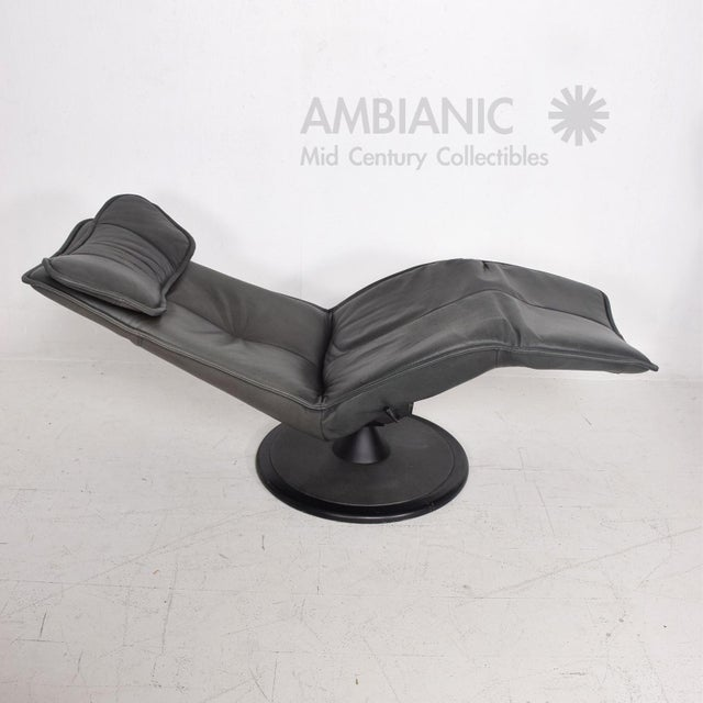 Pair of Contura Zero Gravity Recliner Chair by Modi, Hjellegjerde For Sale - Image 10 of 10
