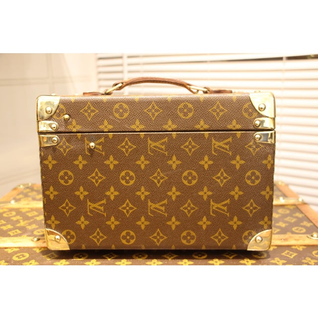 Contemporary Louis Vuitton Train Case For Sale - Image 3 of 13