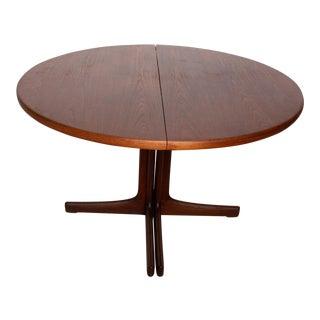 Mid-Century Danish Modern Oval Teak Dining Table For Sale