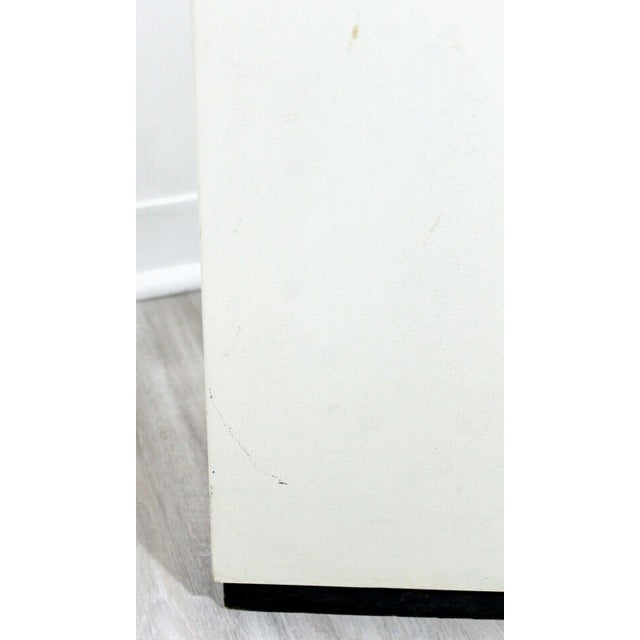 White Contemporary Modern Square Lighted Display Pedestal Table For Sale - Image 8 of 10