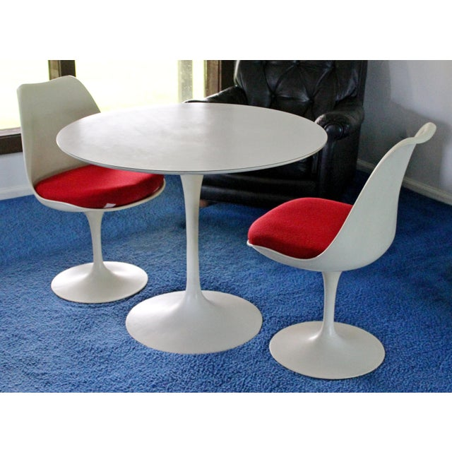 For your consideration is a fantastic, original, Tulip dinette set, including table and pair of chairs, by Eero Saarinen...
