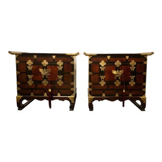 Pair of Asian Style Campaign Chests, Tables or Nightstands in Ming Design For Sale