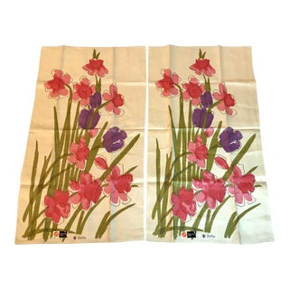 20th Century Cottage Vera Linen Floral Kitchen Towels - a Pair For Sale
