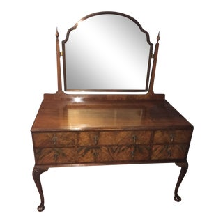 1800s Queen Anne's Golden Rosewood Burl Dresser With Beveled Mirror For Sale