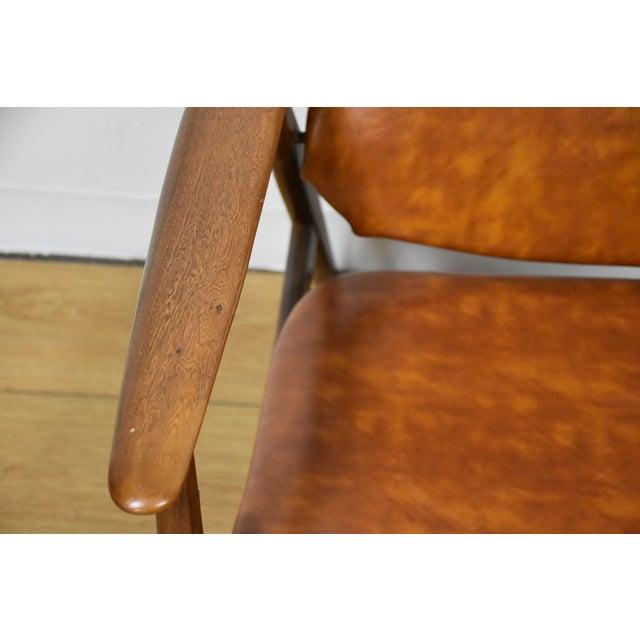 Brown Vinyl Lounge Chair - Image 5 of 9