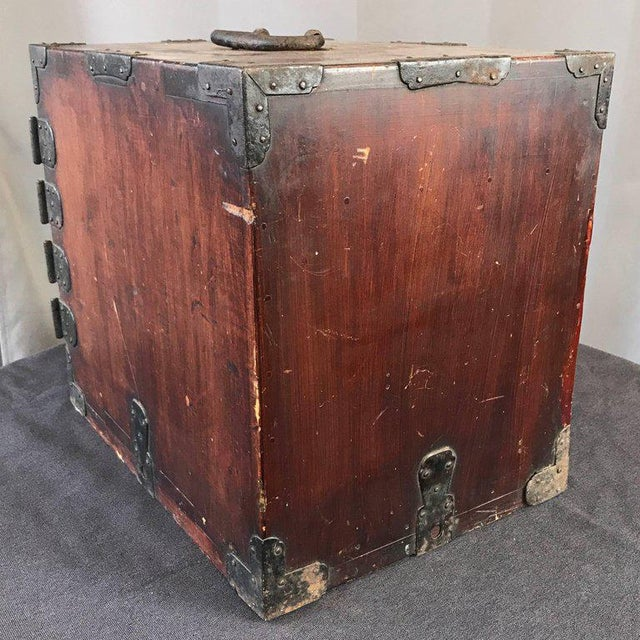 1900 - 1909 Antique Compact Chinese Seaman's Chest With Locks and Key For Sale - Image 5 of 13