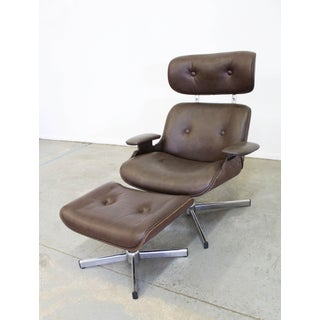 Mid-Century Modern George Mulhauser Plycraft Swivel Lounge Chair & Ottoman Preview