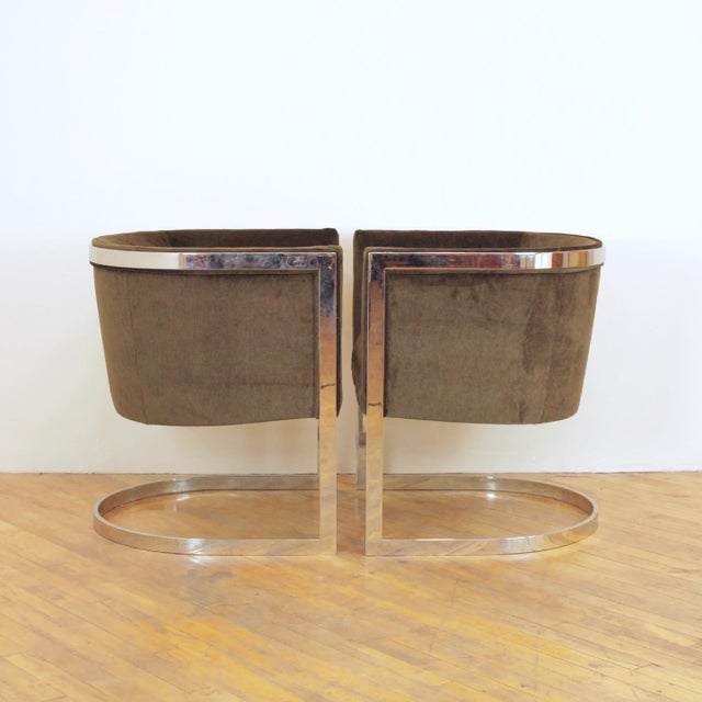 1970s 1970s Vintage Metropolitan Barrel Lounge Chairs - a Pair For Sale - Image 5 of 11
