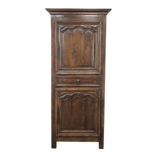 19th Century Country French Homme De Bout - Bonnetiere For Sale