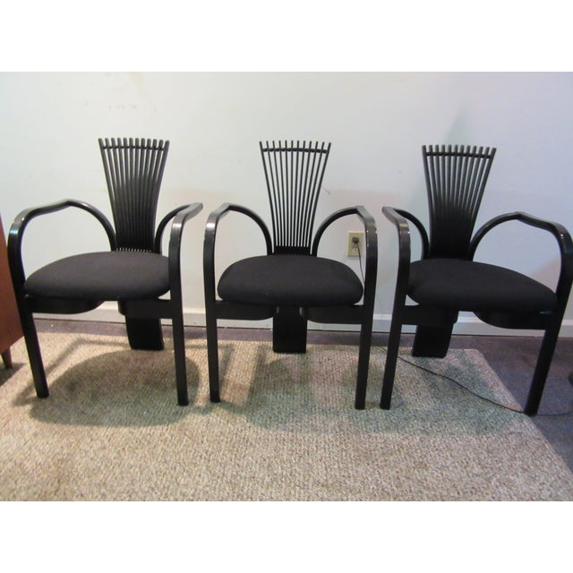 What a find. Offered is a very cool modern chair set. The chairs have the lines and design that scream modern. The chairs...