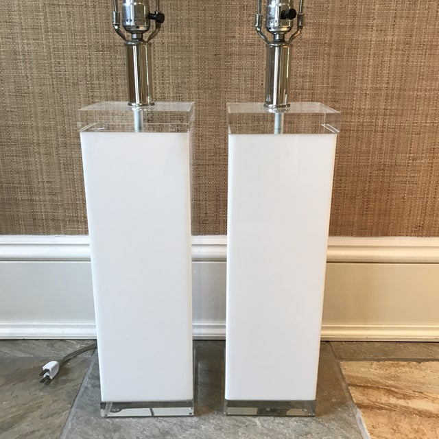 White Mid Century White Lucite Column Lamps - A Pair For Sale - Image 8 of 10