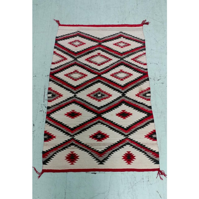 "Navajo Vintage Hand Woven Wool Rug - 4'6"" x 7'6"" For Sale - Image 10 of 10"
