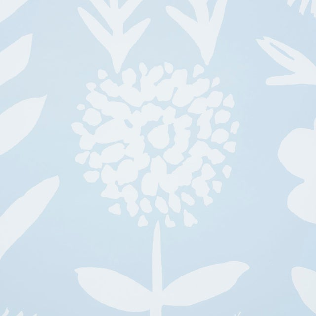 With its stylized flowers silhouetted against a solid background, this mod botanical pattern expemplifies Vera Neumann's...