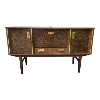 1970s Hollywood Regency Bar Cabinet Buffet For Sale