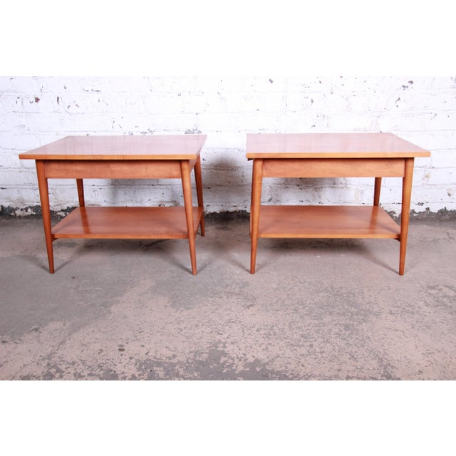 Paul McCobb Planner Group Mid-Century Modern Nightstands or End Tables - a Pair For Sale - Image 10 of 13