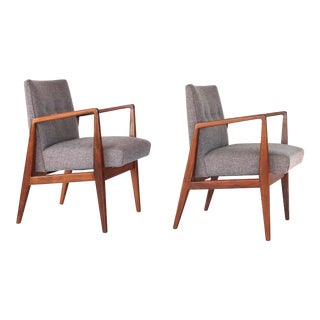 Jens Risom Mid-Century Modern Walnut Lounge Armchairs - A Pair For Sale