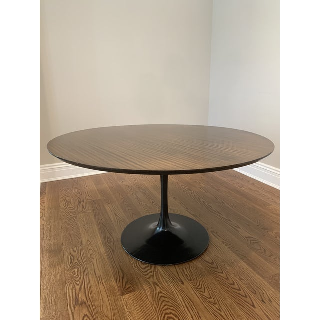 "Mid Century Modern Eero Saarinen Walnut Top Tulip Dining Table - 54"" For Sale - Image 12 of 12"