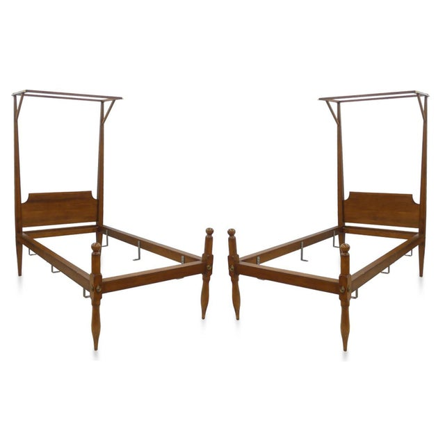 A simple elegance pair of late 19th Century classic early American Federal inspired pencil post, half-tester beds....