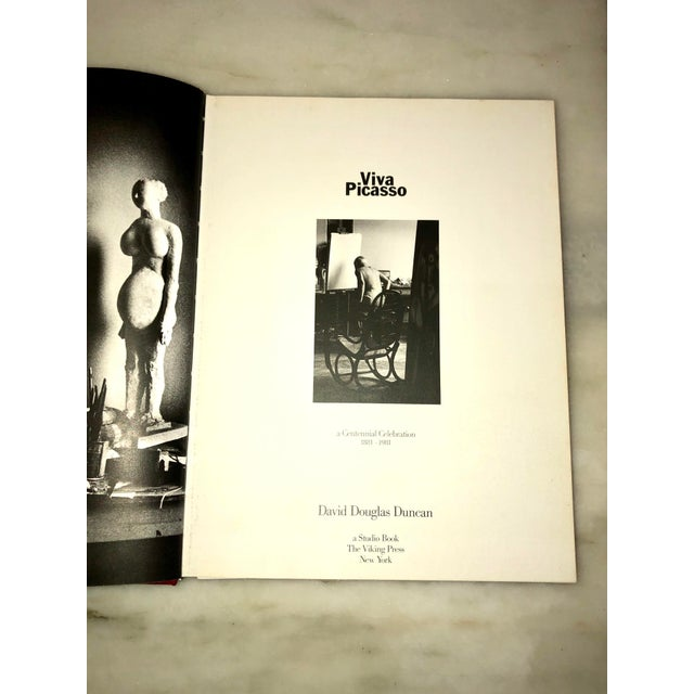 """Pablo Picasso Vintage 1980 """"Viva Picasso"""" Coffee Table Studio Book For Sale - Image 4 of 13"""