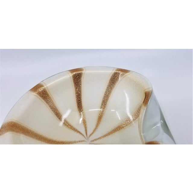 1950s Murano Glass Bowl by Alfredo Barbini - Circus Tent Design With White Gold and Copper Stripes For Sale - Image 10 of 13