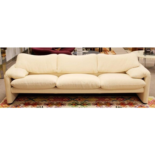 Contemporary Mid-Century Modern Atelier Intl Maralunga Sculptural Sofa by Magistretti for Cassina For Sale - Image 3 of 12