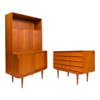 Vintage Danish Mid-Century Hutch Desk/Bar For Sale
