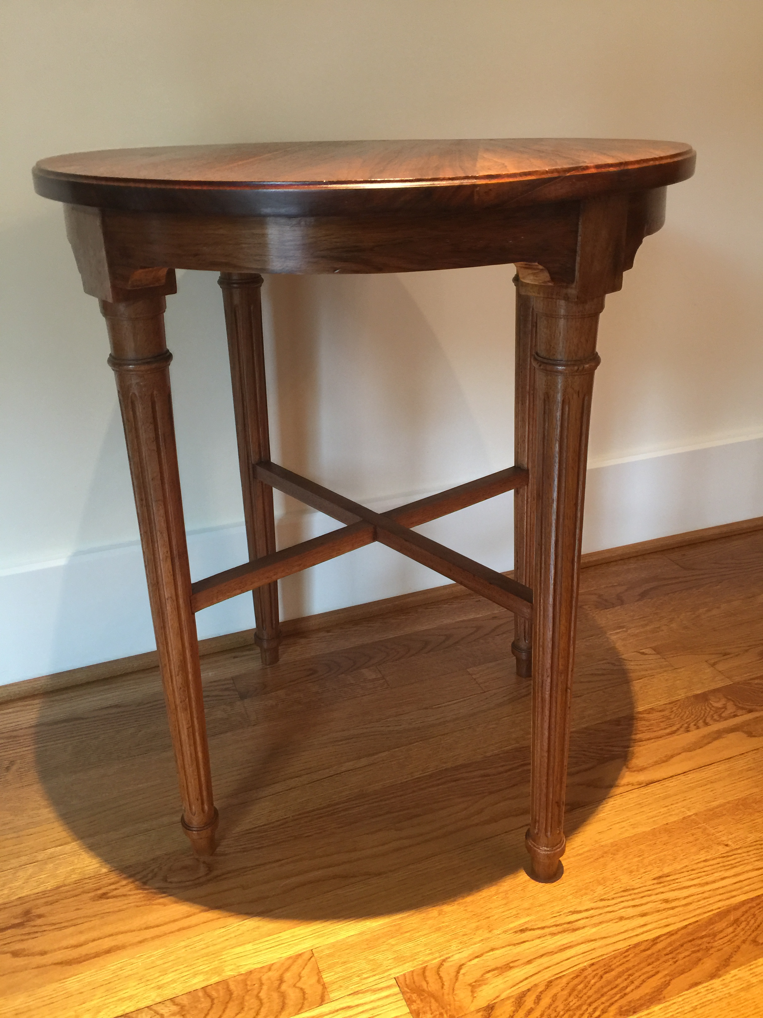 Bon My Mom Purchased This Mahogany Table At An Atlanta Antique Shop In 1971 And  Was Told. Traditional Mahogany Round Side ...