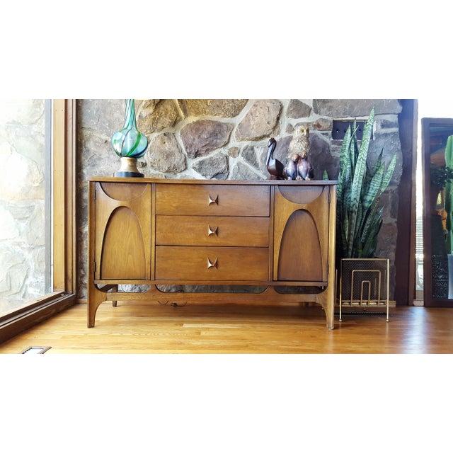 "Brown Mid Century Modern Broyhill Brasilia 46"" Walnut Sideboard For Sale - Image 8 of 13"