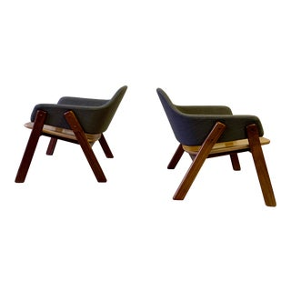 Contemporary Mid Century Modern Styled Lounge Chairs, a Pair For Sale