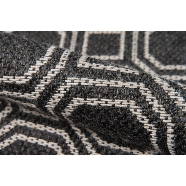 """2010s Erin Gates Downeast Camden Charcoal Machine Made Polypropylene Area Rug 5' X 7'6"""" For Sale - Image 5 of 8"""