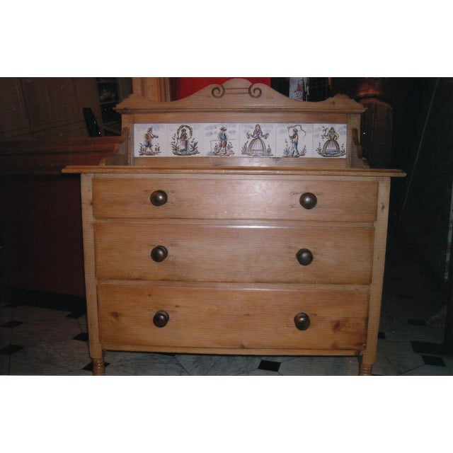 Antique Pine Dresser with Tile Back - Image 2 of 7