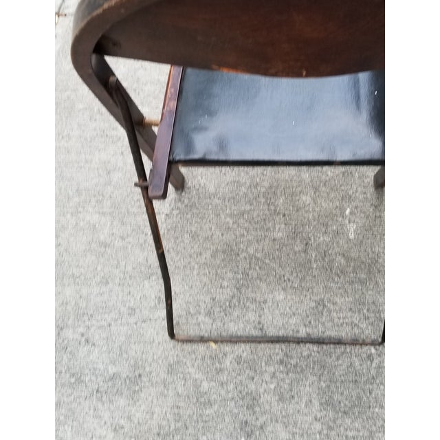 Antique Stakmore Folding Wooden & Leather Chairs - Set of 4 For Sale In New York - Image 6 of 10