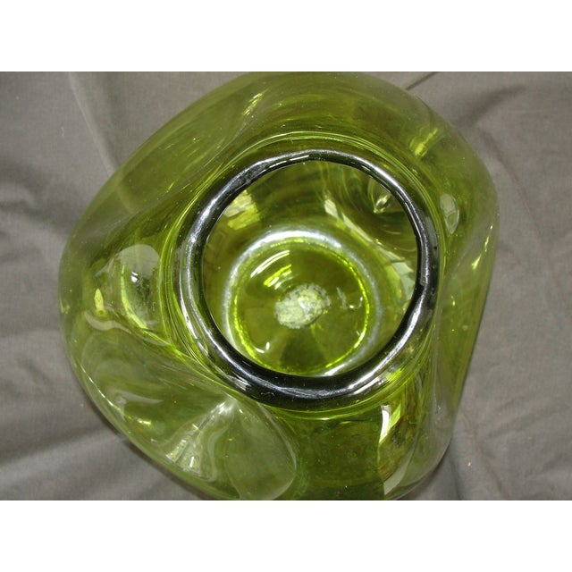 Vintage Hand Blown Pinched Art Glass Vase - Image 5 of 9