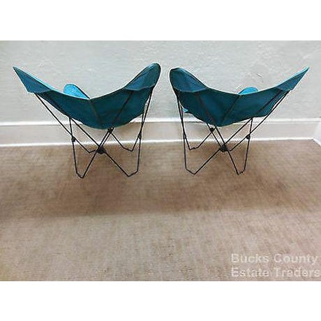 Canvas Mid Century Modern Pair of Folding Iron & Canvas Butterfly Chairs For Sale - Image 7 of 13