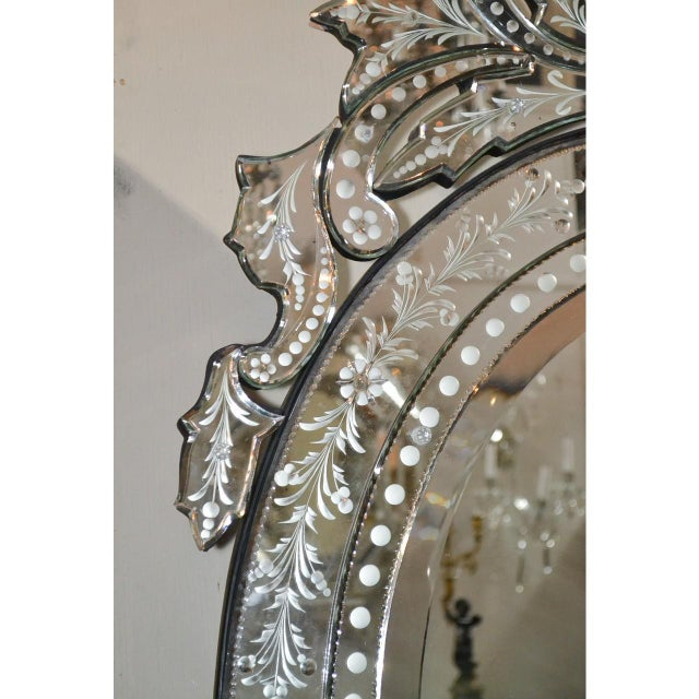 Italian Venetian Etched Glass Wall Mirror, Circa 1940 For Sale - Image 3 of 8