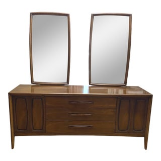 1960s Broyhill Emphasis Mid-Century Dresser & Mirrors - Set of 3 For Sale