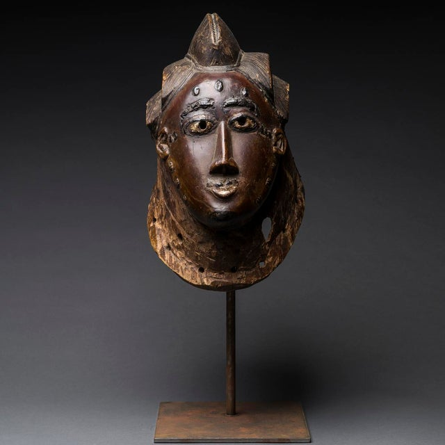 Mid 19th Century Southern Guro Wooden Mask For Sale - Image 5 of 5