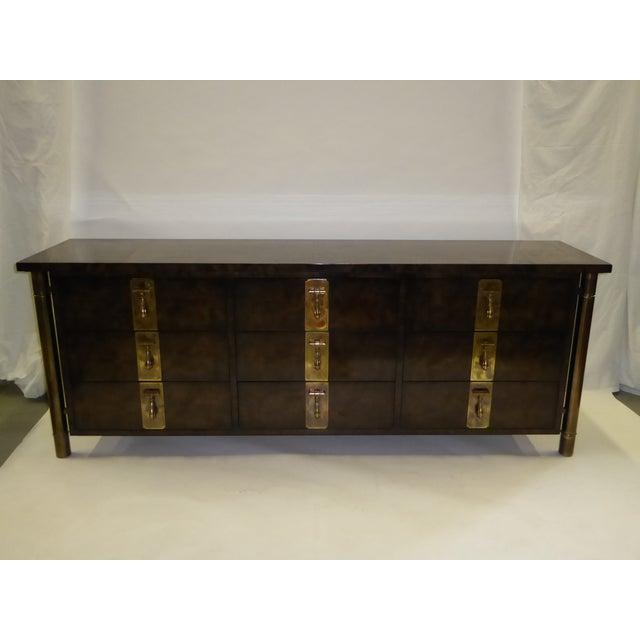 Asian 1970s William Doezema for Mastercraft Burl Elm Nine-Drawer Dresser For Sale - Image 3 of 12