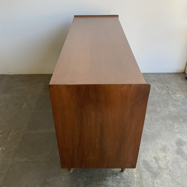 Brown Mid Century Walnut Dresser by Broyhill For Sale - Image 8 of 13