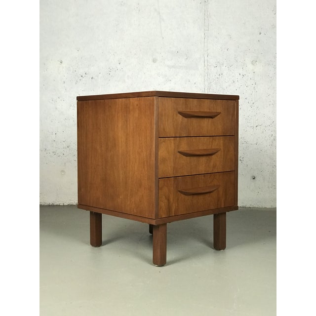 Mid-Century Modern 1960's Petite Low Chest in Walnut by Jens Risom For Sale - Image 11 of 11