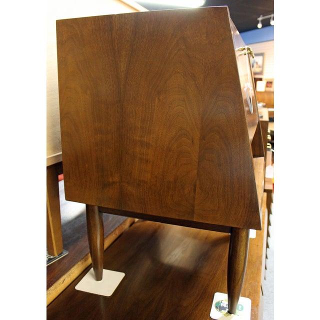 Mid-Century Modern American of Martinsville Merton Gershun Dania Nightstand For Sale In Philadelphia - Image 6 of 11