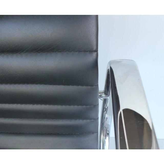 Mid-century Eames Herman Miller Aluminum Group Chair - Image 6 of 11