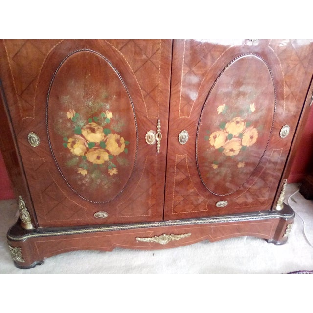 Very beautiful French server reproduction make in 1960s was made in Egypt and finished in Italy. It does have a marble top...