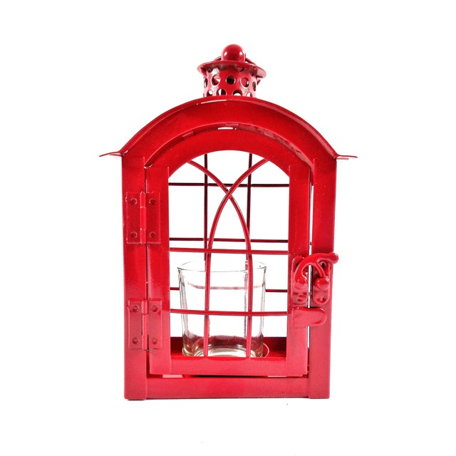 *** FREE SHIPPING !! *** This adorable red candle lantern will bring the fun into your party. It is made from metal, has a...