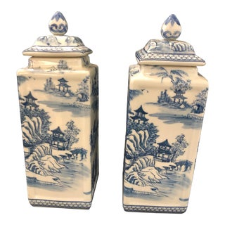 Chinoiserie Blue White Chinese Urns - a Pair For Sale