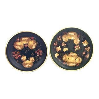 A Pair of Hand-Painted Display Plates, Ecuador For Sale
