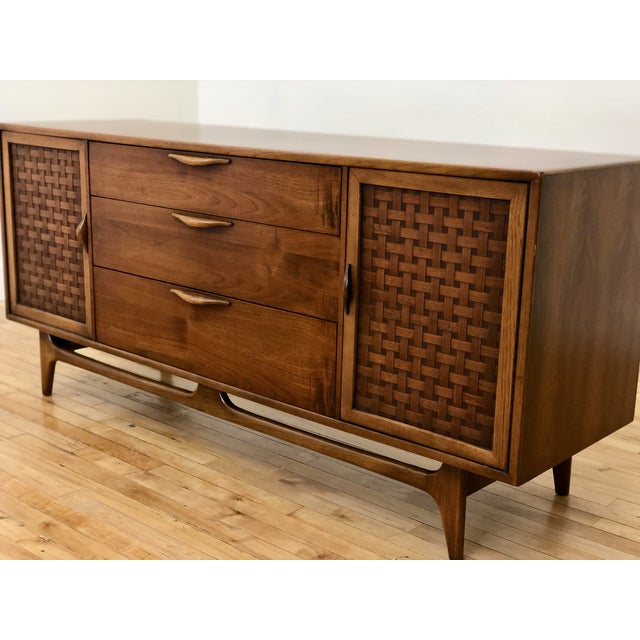 1960s Mid Century Modern Lane Perception Compact Double Bank Sideboard Buffet Credenza - Danish Style Walnut Woven Door Lowboy Dresser For Sale - Image 5 of 9