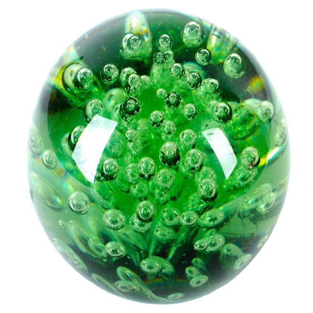 19th Century Green 'Dump' Glass Paperweight - Image 2 of 4