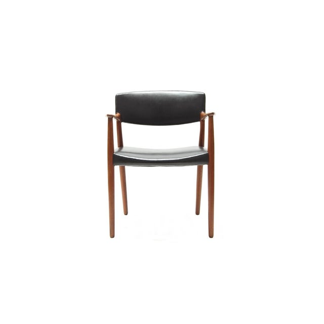 A very nice and rare armchair designed by architects Ejnar Larsen and Aksel Bender Madsen, and produced by cabinet maker...
